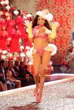 th_96947_Victoria_Secret_Celebrity_City_2007_FS390_123_147lo.jpg