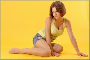 http://img209.imagevenue.com/loc164/th_278973272_tduid300163_sandrinya_model_denimmini_teenmodeling_tv_052_122_164lo.jpg