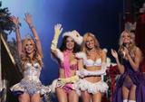th_01561_Victoria_Secret_Celebrity_City_2007_FS544_123_40lo.jpg
