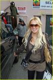 dVb eyewear / Victoria Beckham eyewear - Page 3 Th_09191_lindsay-lohan-intuition-shop-01_122_56lo