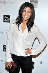 http://img209.imagevenue.com/loc562/th_03344_Jessica_Szohr_Jimmy_Choo_Fragrance_Launch_002_122_562lo.jpg