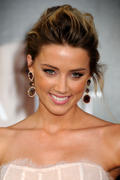 "صور Amber Heard - ""Salt"" Premiere in Los Angeles, July 19, 2010 *updated* th_41205_aMbErHeArDsAlTsCrEeNiNg071910nBs4_122_6lo.jpg"